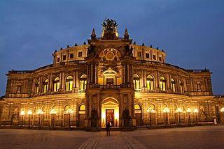Dresden - Semperoper - Foto Hans-Peter Merten