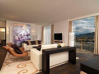 Renaissance Zürich Tower Hotel - Zimmer - b