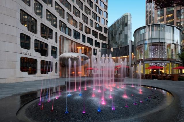 Andaz Shanghai_ the plaza & fountain_pm